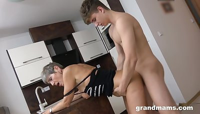 Tight mature feels young man's entire dick fucking her hard