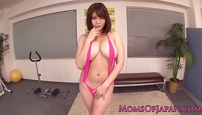 Japanese milf with bigtits gets facial