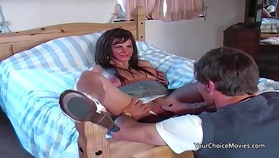 Older glam housewife takes anal while hubby is out
