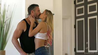 Stunning order about blondie Jessa Rhodes loves steamy definitive mish