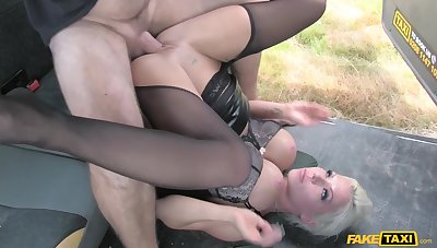 Gorgeous mature Barbie Sins gets vitiated in the hansom cab