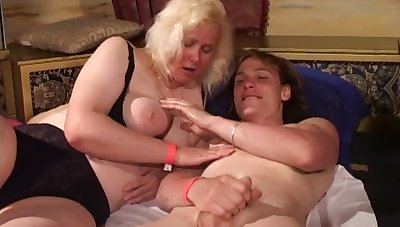 Group sex hither old broad in the beam whores