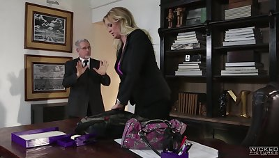 Buxom blond milf Stormy Daniels is sophistry on her husband with his own son