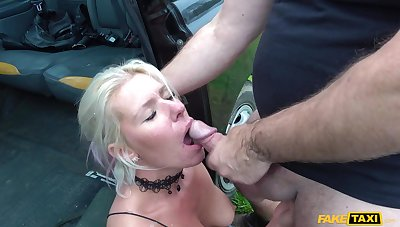 Big irritant mature gets irritant fucked on the back seat
