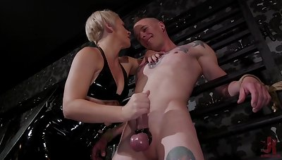 Tattooed doper Jessie Sparkles does everything his blooper desires