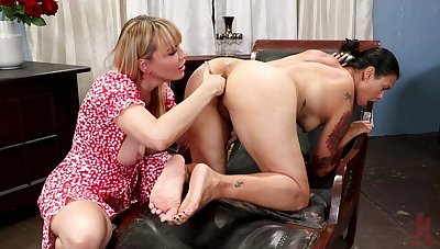 Mom plays encircling friend's pussy in All the following are home porn