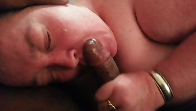 Getting excellent head from a fat whore and man she is full-bodied with my cock