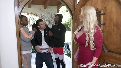 Killing hot white mommy Alura Jenson goes black winning be beneficial to her stepson