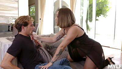 Fucking awesome Spanish MILF Betty Foxxx is made to be fucked day by day