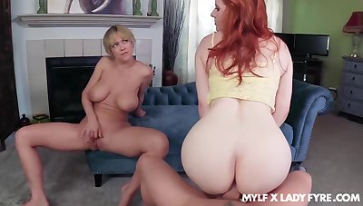 Dee Williams oozes milky cum after FFM fuck back Little one Fyre
