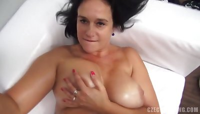 Milf Little one Shows Knockers And Pussy - Porn Casting