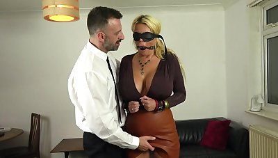 Buxom Shannon Boobs gets her irritant and pierced pussy banged hard