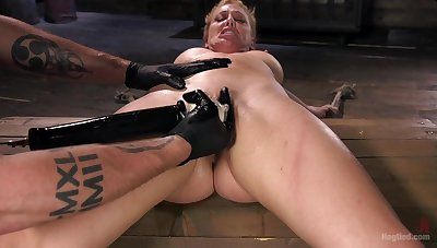 Pleasure and pain for 	submissive Cherie DeVille regarding a Dom's dungeon